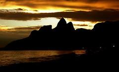 Rio de Janeiro (Minhas Crias) Tags: praia brasil riodejaneiro samba carioca arpoador