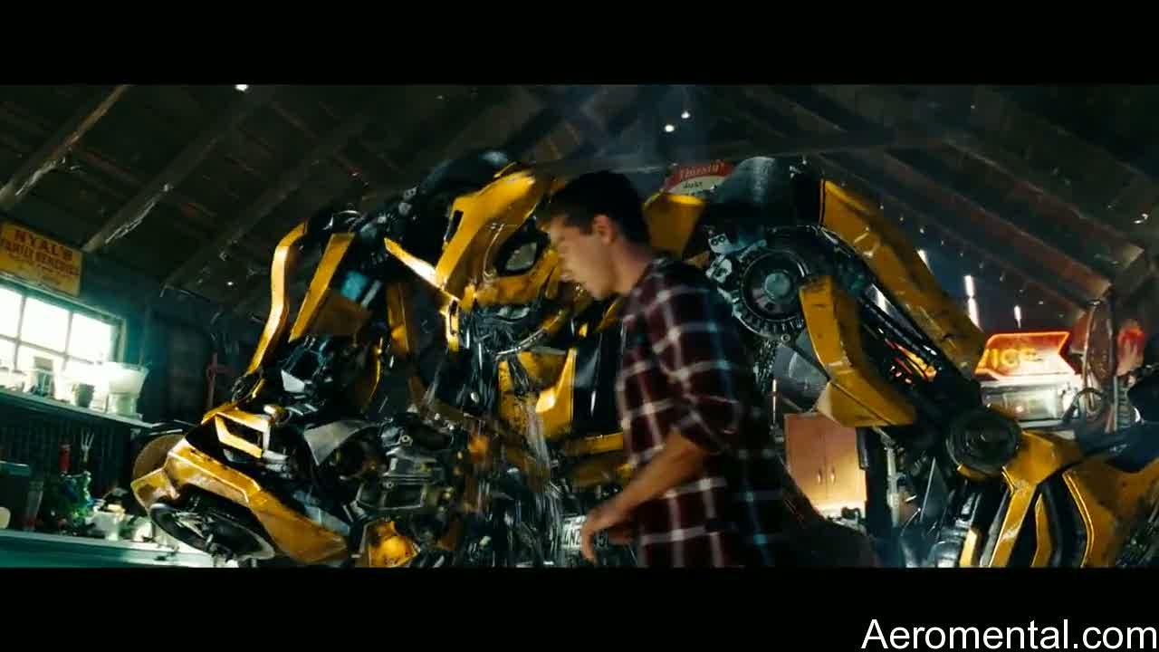 Transformers 2 Bumblebee llora