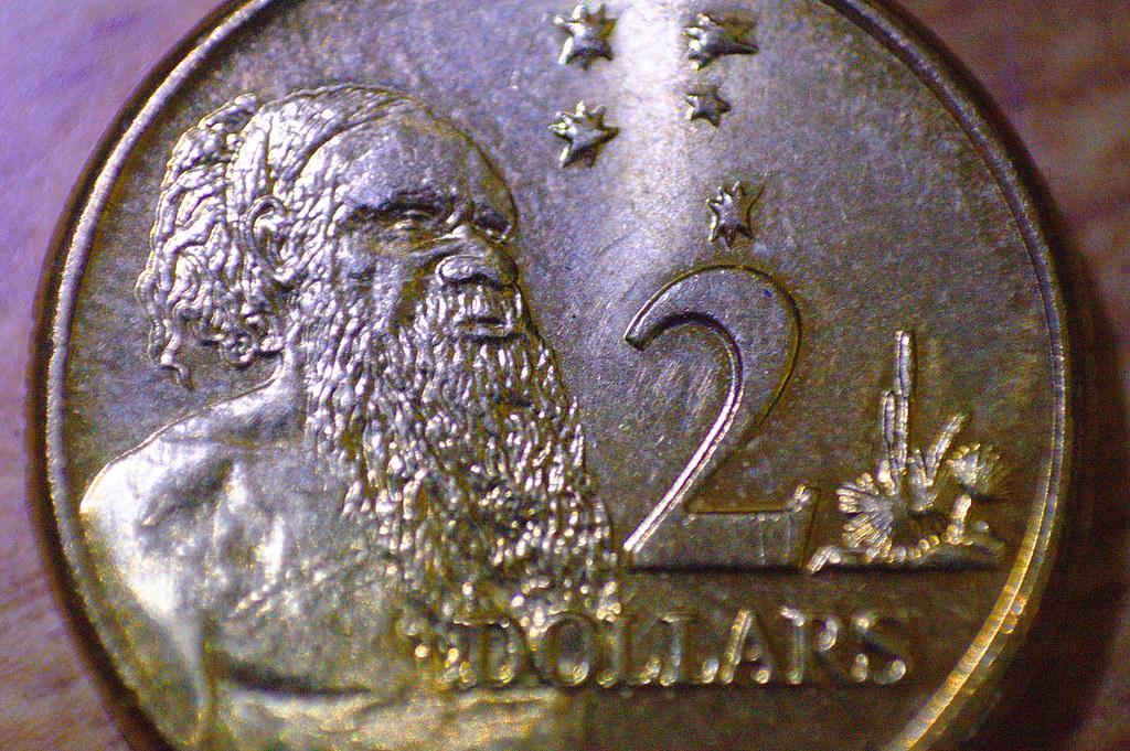 2010-05-25 04-36-42 Australian 2 Dollar Coin - IMG 7925
