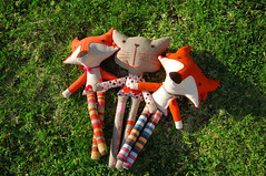 Olivia the cat and her friends the foxes (PinkNounou) Tags: pink orange cat ribbons felt fabric fox dots softtoy strippes