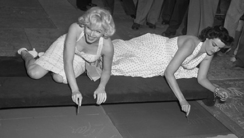 photo of Marilyn Monroe and Jane Russell