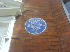 Photo of Bertrand Russell blue plaque