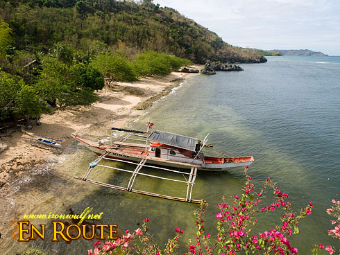 Cueva Cansubong Park Boat and Beach