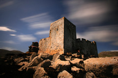 Kisimul Castle cloud whooshing (paddimir) Tags: longexposure castle scotland barra westernisles outerhebrides castlebay kisimul nd1000 barraigh bwnd110filter cloudwhooshing barra2009