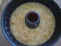 Agregando la gelatina de leche y la piña