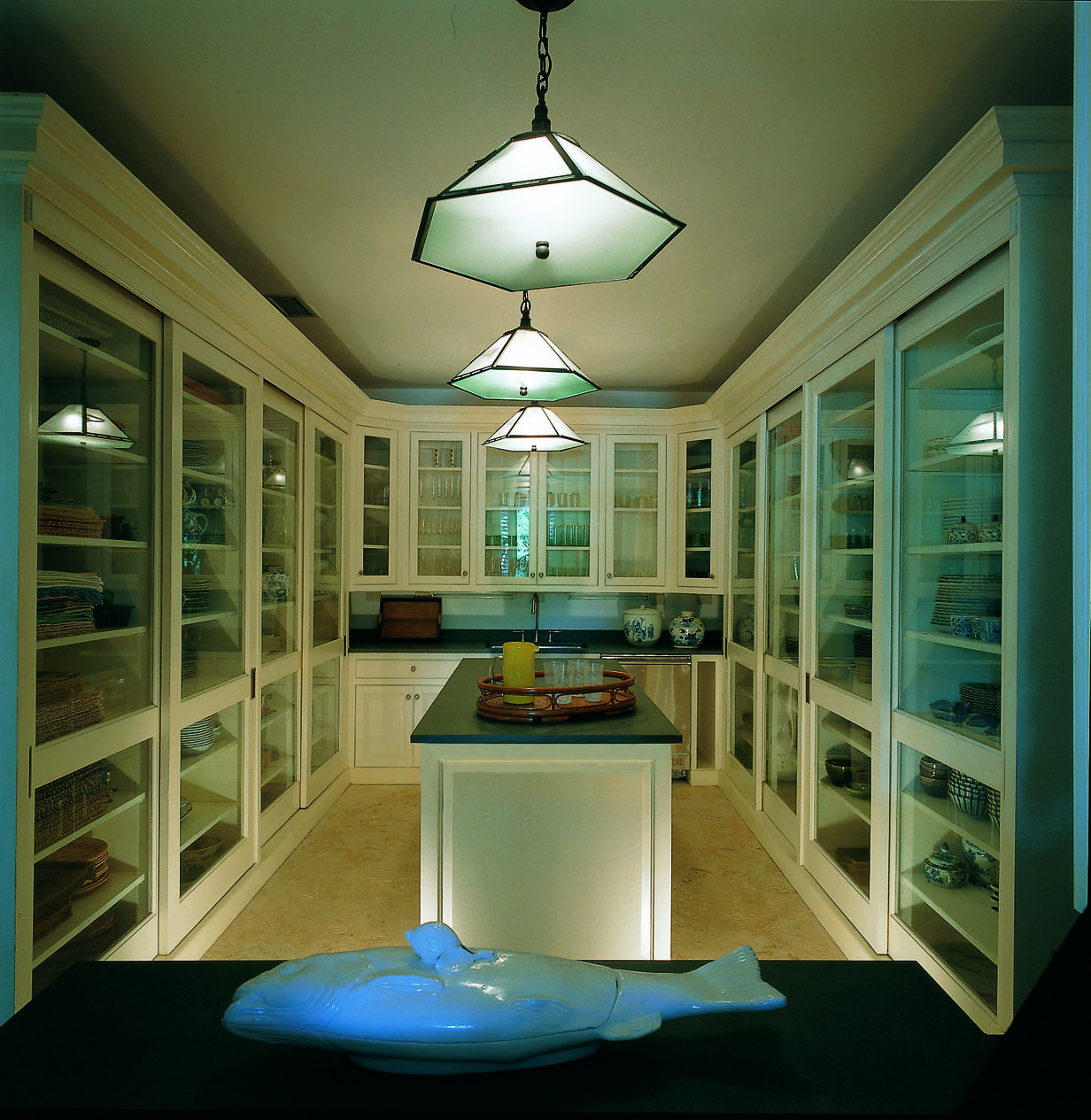 China pantry in Bunny's home in the Dominican Republic (Photo: Fritz von der Schulenburg)