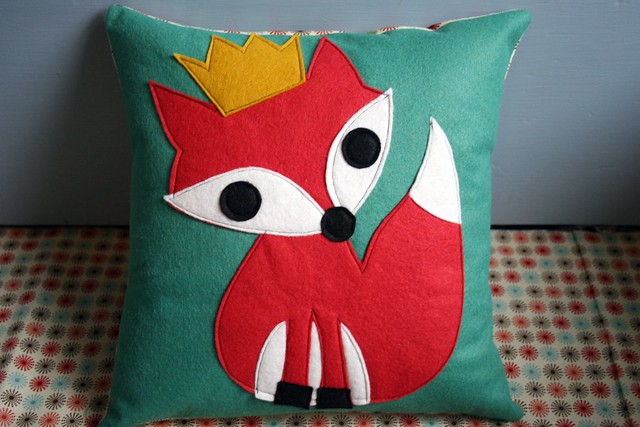 king.fox.pillow