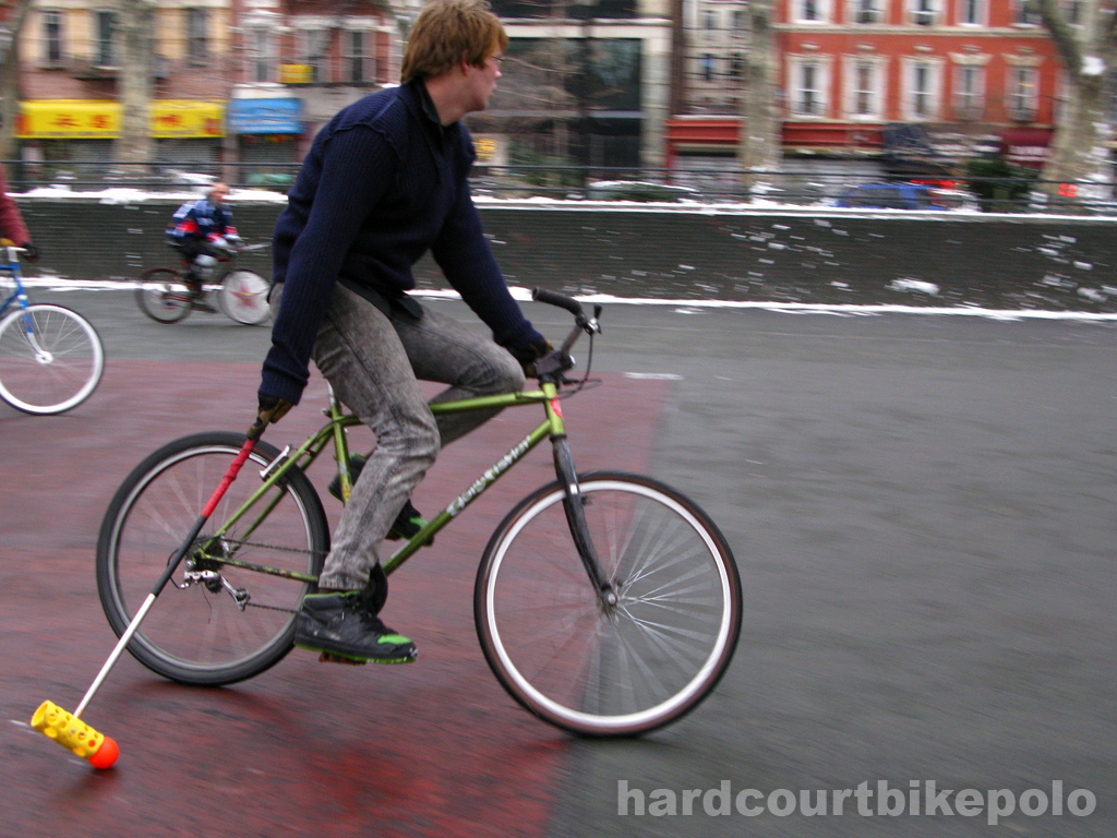 Hardcourt Bike Polo Lief in The Pit
