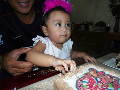 Alin likes the cake