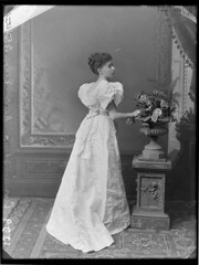 Miss Ethel Cunningham, Sydney / Freeman Studio (State Library of New South Wales collection) Tags: flowers woman dress theatre sydney australia romantic statelibraryofnewsouthwales freemanstudio ethelcunningham