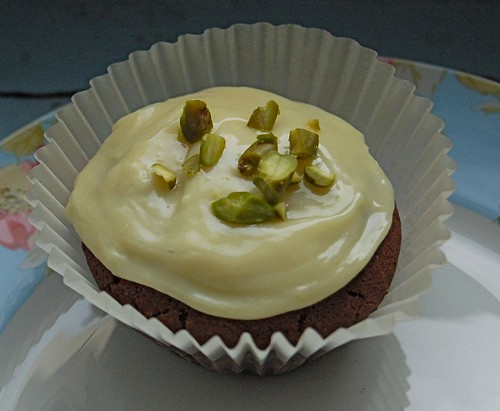chocolate mini cupcake with white chocolate icing