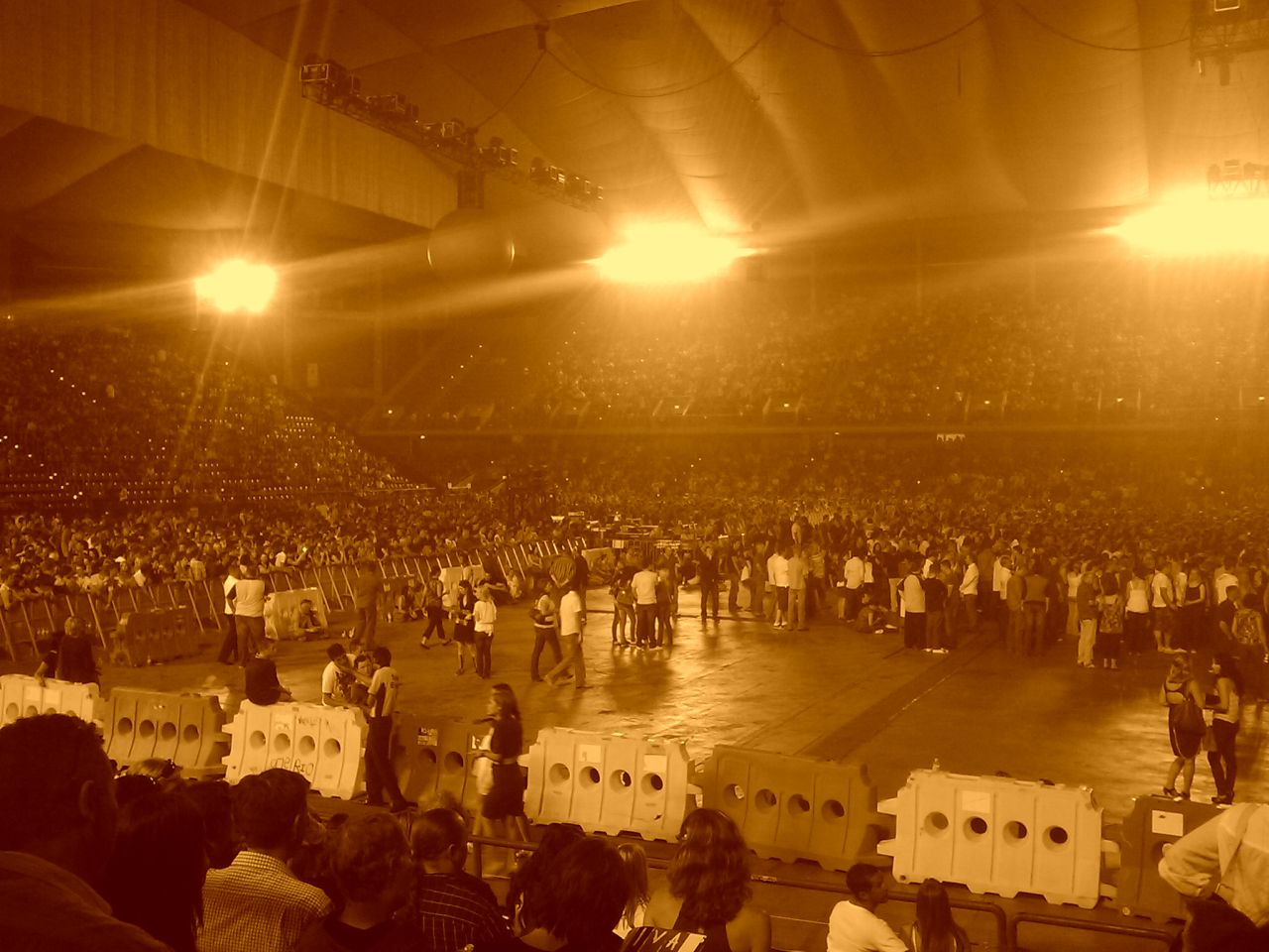 sepia crowd lge