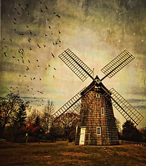 Old Hook Mill.... East Hampton Long Island (Scott Hudson *) Tags: usa texture windmill photography nikon flickr unitedstatesofamerica scene longisland pip googleimages scotthudson exploreflickr imagekind bighugelabs betterthangood easthamptonnewyork oldhookmilleasthamptonnewyork newyorkstatehistoricalsites sammysfriendsarevisiting perfectioninpictures bingimages alwaysbetteronblack betterthangoodflickr scotthudsonflickr httpwwwfacebookcomscotthudsoninnjflickr