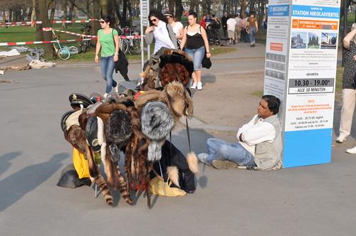 Mützenverkäufer in Berlin