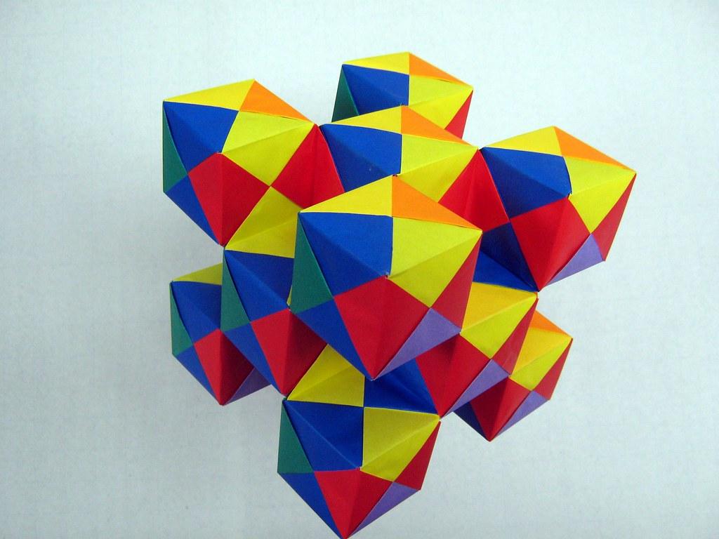 Как сделать разноцветный куб