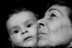 Generazioni a confronto (Xelisabetta) Tags: baby canon bimbo nonna eos400d ritrattidiof xelisabetta fotocolturepersone elisabettagonzales settimana152009romamor