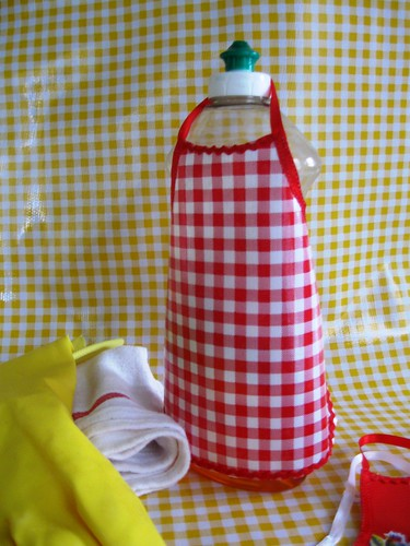 bottle aprons red ging  006