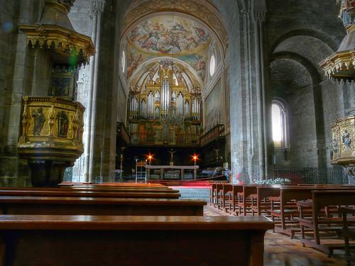 Presbiterio, coro y órgano de la Catedral de Jaca