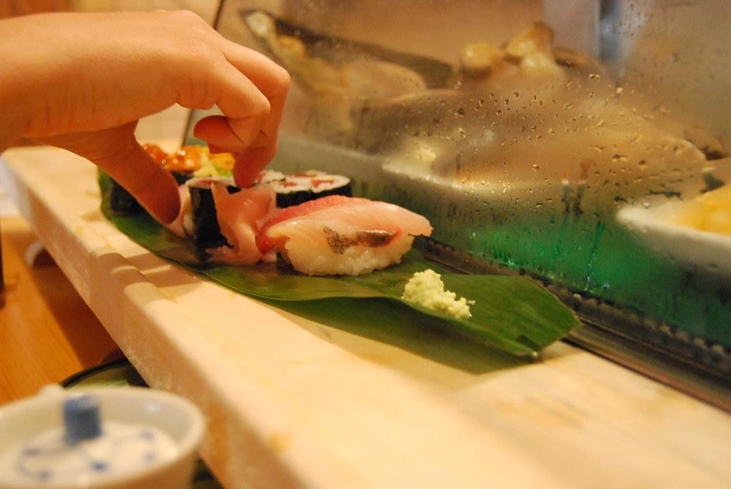 Comiendo sushi en Tsukiji