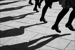 (Raymond Wealthy) Tags: street shadow people blackandwhite bw espaa white black blancoynegro silhouette blackwhite calle dance spain nikon women europe mood gente emotion noiretblanc ombra streetphotography sombra poetic bn ombre espana shade silueta rue espagne hombre umbria spanien gens noirblanc streetshot blanconegro photogallery poetical lagente siluetta nikond80 rhythmn blancoenegro blancoenero raymondwealthy