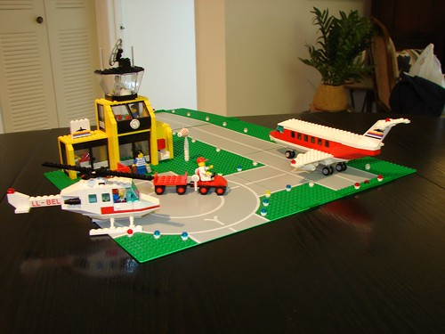 Lego Airport, Set #6392 - Released in 1985