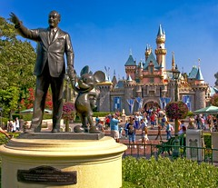 Disneyland - Partners (Matt Pasant) Tags: california camera original castle 1955 apple statue hub canon mac aperture mainstreet raw disneyland magic dreams mickeymouse imagination anaheim dca themepark sleepingbeauty weenie wonders attractions partners waltdisney mainstreetusa sleepingbeautycastle cs4 wdi imagineer canonef24105mmf4lisusm 40d