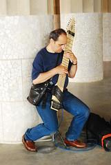 nacida del alma (montse_stb) Tags: poco instrumentos usuales