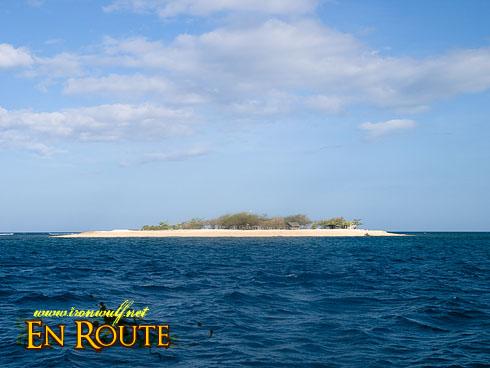 "Manadi ""White"" Island"