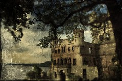 Bannerman Island DSC_5192_distressrev