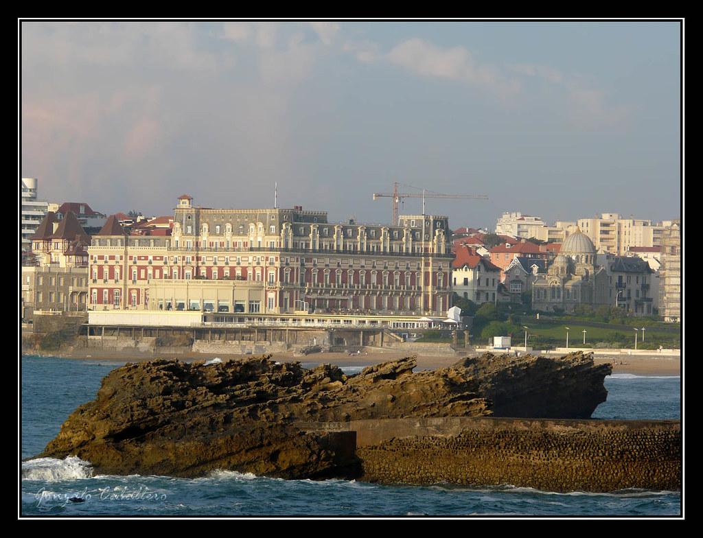 Hôtel du Palais desde Le Rocher de la Vierge (Biarritz)