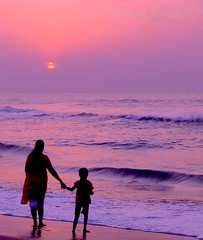 SUNRISE, generations of worshipers in the beach (Sunciti _ Sundaram's Images + Messages) Tags: museum sunrise creativecommons estrellas 1001nights beachside brightspark blueribbonwinner 10faves 5photosaday goldenglobeawards bej abigfave enstantane concordian platinumphoto anawesomeshot colorphotoaward flickraward flickerdiamond diamondclassphotgrapher mycameraneverlies diamonclassphotographer rainbowmagic eperke goldstaraward awesomescenery brilliantphotography natureselegantshots rubyphotographer fabulousflicks abovealltherest brutalshots alittlebeauty artofimages flickrmasterpieces capturethefinest veryimportantphotos