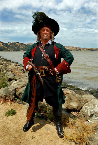 Pirate Hector Barossa (Photo by Dan Rosenstrauch, Contra Costa Times)