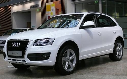 Audi Q5 white vl