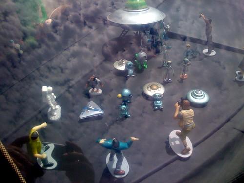 Alien Invasion diorama