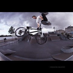Day Hundred Six (Seb Huruguen) Tags: park fish eye bike project eos bmx bordeaux fisheye tokina skatepark 7d whip 365 seb 107 whips sebastien stunts dx arnaud atx tailwhip f3545 1017mm etpa huruguen merigeau