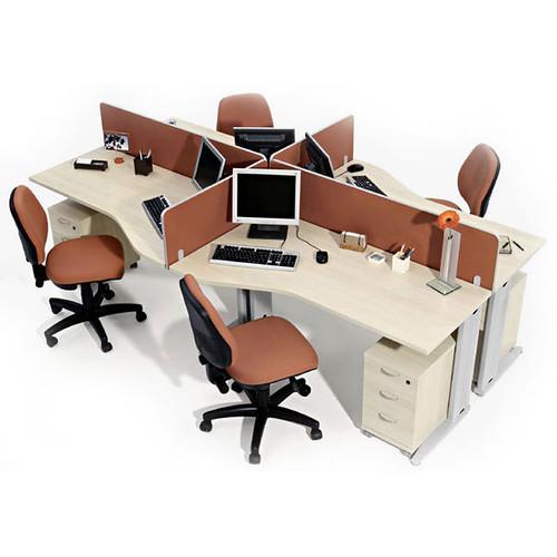 mesas para computadores no escritório