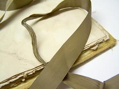 ribbon closure