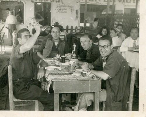 8 de juliol de 1953: carrer del Rec de Barcelona. recader Baucells d'Arbúcies.