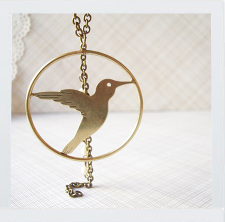 bird: necklace.
