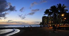 Waikiki beach sunset (5) (AAron Metcalfe) Tags: sunset oahu honolulu waikikibeach