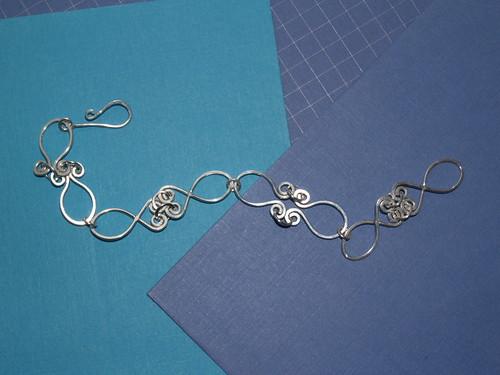Fishy link bracelet