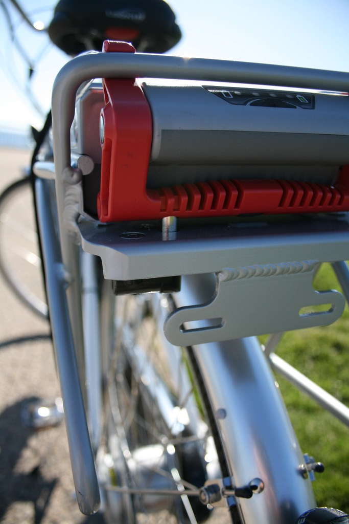 Schwinn Tailwind battery pack with lock