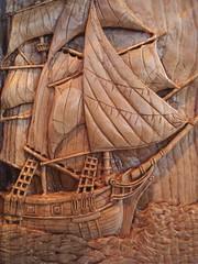 ανοίγοντας πανία- set up sails....