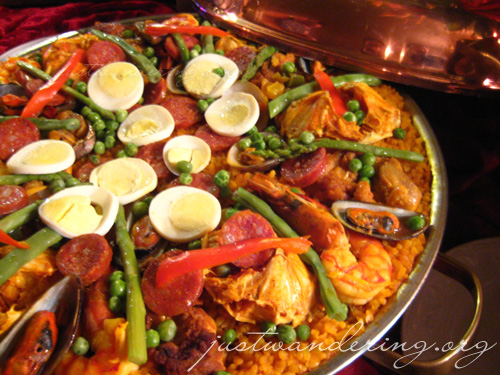 Paella Valenciana at Patio Guernica