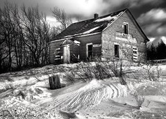 21_Feb_09_03 (Dana Prost) Tags: bw canada farmhouse novascotia homestead blackdiamond d300 supershot golddragon mywinners abigfave platinumphoto diamondclassphotographer blackwhiteaward betterthangood theperfectphotographer bwartaward