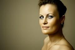 Ulia (eugene_bee) Tags: russianbeauty womanportrait tokina2880 canon40d rekamhalopro