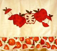 pano de prato patchcolagem (ROTA da Arte) Tags: artesanato fuxico enfeites patchwork decorao cozinha bichinhos tecido bordado patchcolagem capaparagalodegua capaparagarrafatrmica bandparacortina