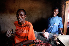 Bouchers (dans cadre programme Save the Children - Takaba) Butchers in Takaba (Save the Children program) (Dlirante bestiole [la posie des goupils]) Tags: africa kenya north save butcher voucher afrique gar takaba