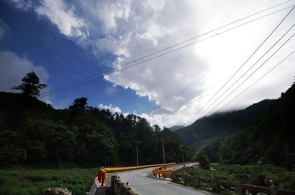 南湖大山day1-12 埡口處雲開霧散