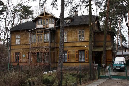 Drewniana, piętrowa willa przy Kościuszki 5 w Otwocku